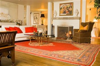 Feng-Shui-Living-Room-Decoration